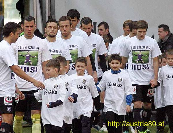 Austria Vienna walk out versus Wolfsberger wearing good luck shirts for former Violet- Philipp Hosiner (picture courtesy of Austria80.at)