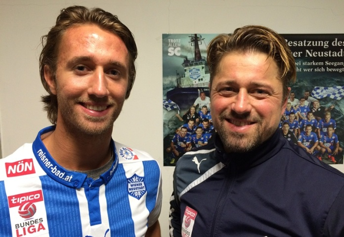 Philip Hellquist (left) alongside Neustadt manager Helgi Kolvidsson (picture courtesy of Wiener Neustadt)