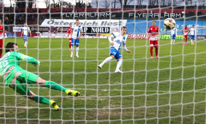 Stefan Nutz slots home Grödig's equaliser from the penalty spot on their way to a 3:2 victory (picture courtesy of SV Grödig)