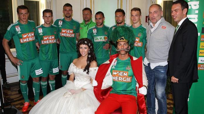 Rapid Wien unveil their new home kit (picture courtesy of laola1.at)
