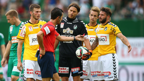 Oliver Kragl & his teamates, plead in vain after Rapid's Philipp Schobesberger was brought down through on goal. It's not the first red card Ried have received against Rapid Wien... (Picture courtesy of GEPA)