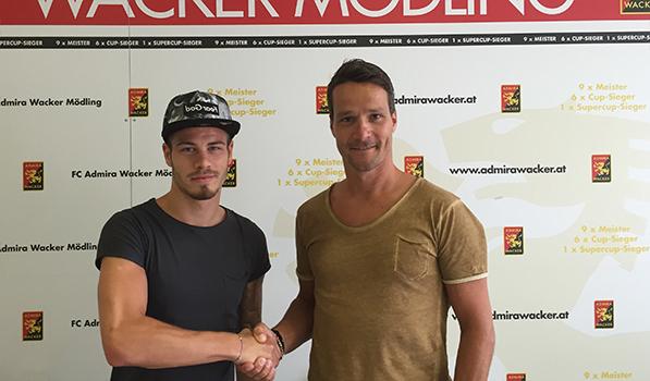 Dominik Starkl (left) alongside Admira manager Oliver Lederer (photo courtesy of admirawacker.at)